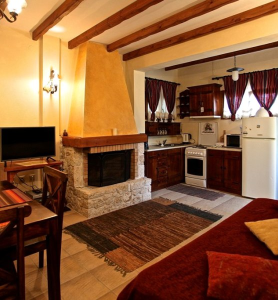 Katoi Nostalgia, Living room, dining area and fully equipped kitchen